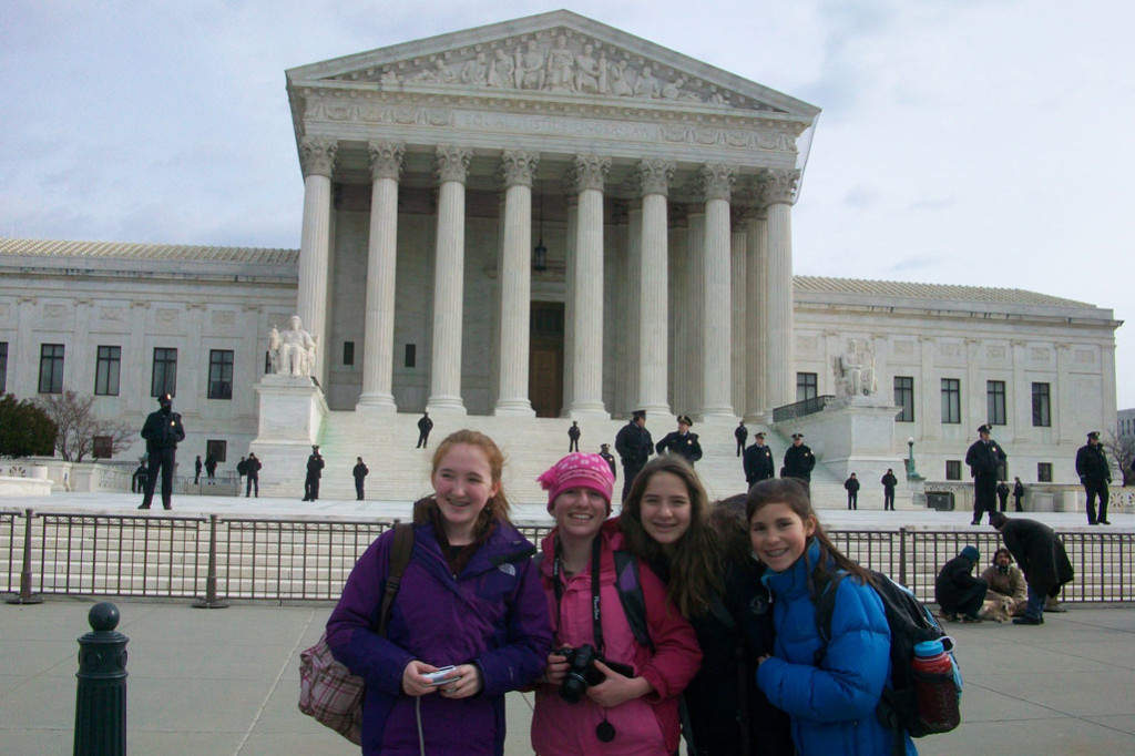 Montessori students on a school trip in Washington D.C.
