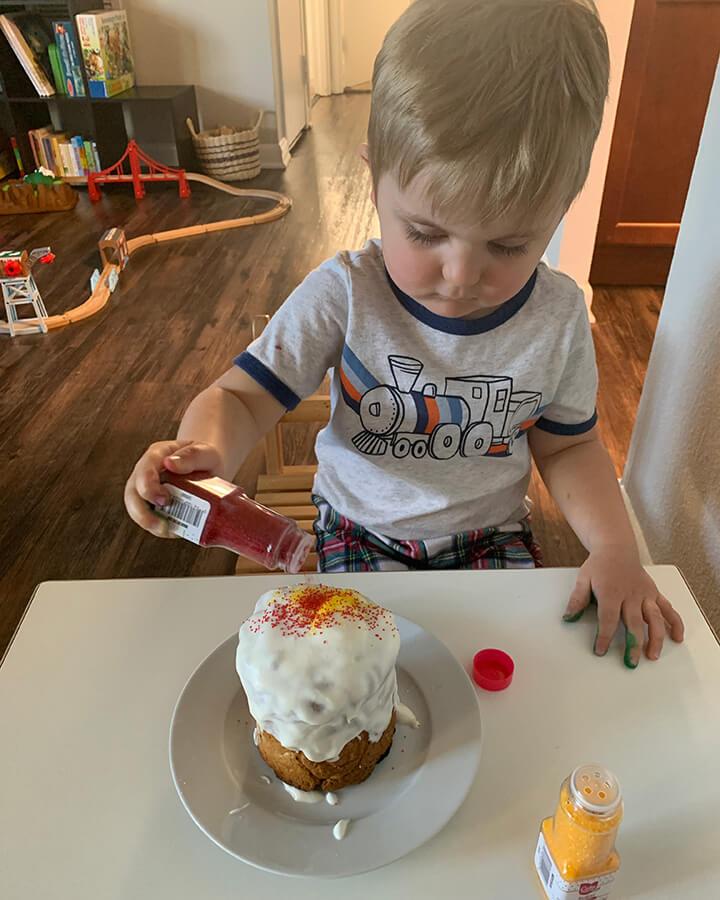 Baking cupcakes2